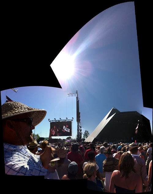 Dan_Glover_pyramid_stage