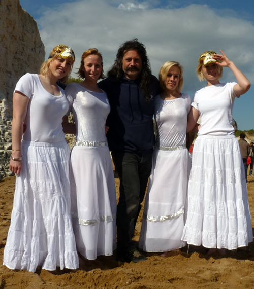 Andy Moss with the Sand Dancers