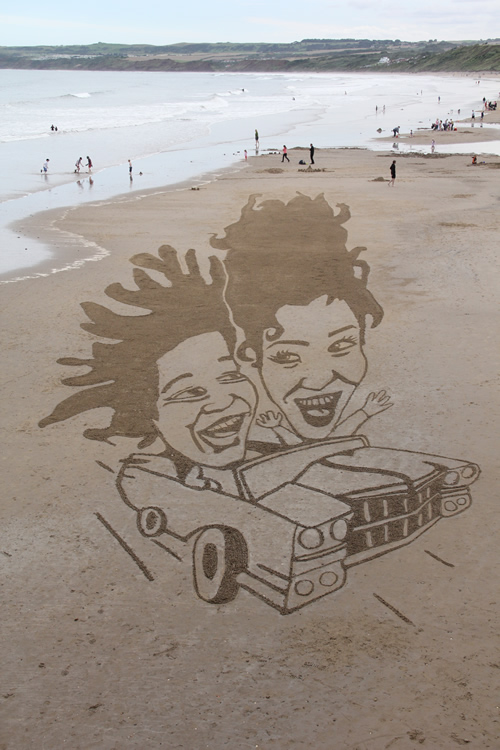 The Nigel Clarke and Michelle Akerley sand drawing for CBBC Totally Rubbish