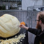 Jamie Wardley beginning giant pumpkin carving