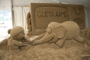 elephant cartoon sand sculpture