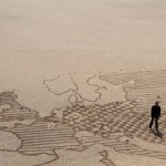 Dan Snow on a sand map
