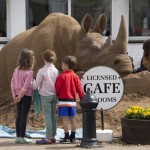 Children looking onto the White Rhino