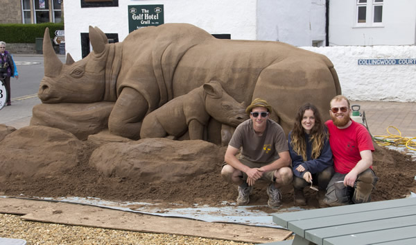 sand sculpture rhino
