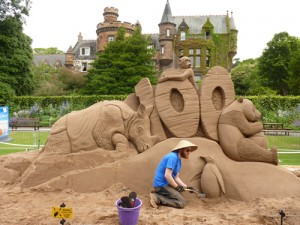 sand sculpture edinburgh zoo