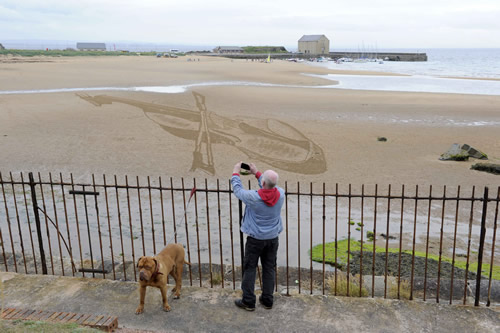 East Neuk Festival, Sand in Your Eye, violin drawing, rake art