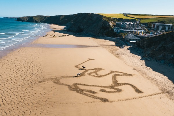 Watergate Bay Sand Drawing.  Image © Mikael Buck / GWR