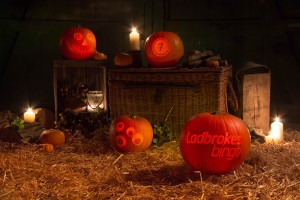 Halloween pumpkin carving uk