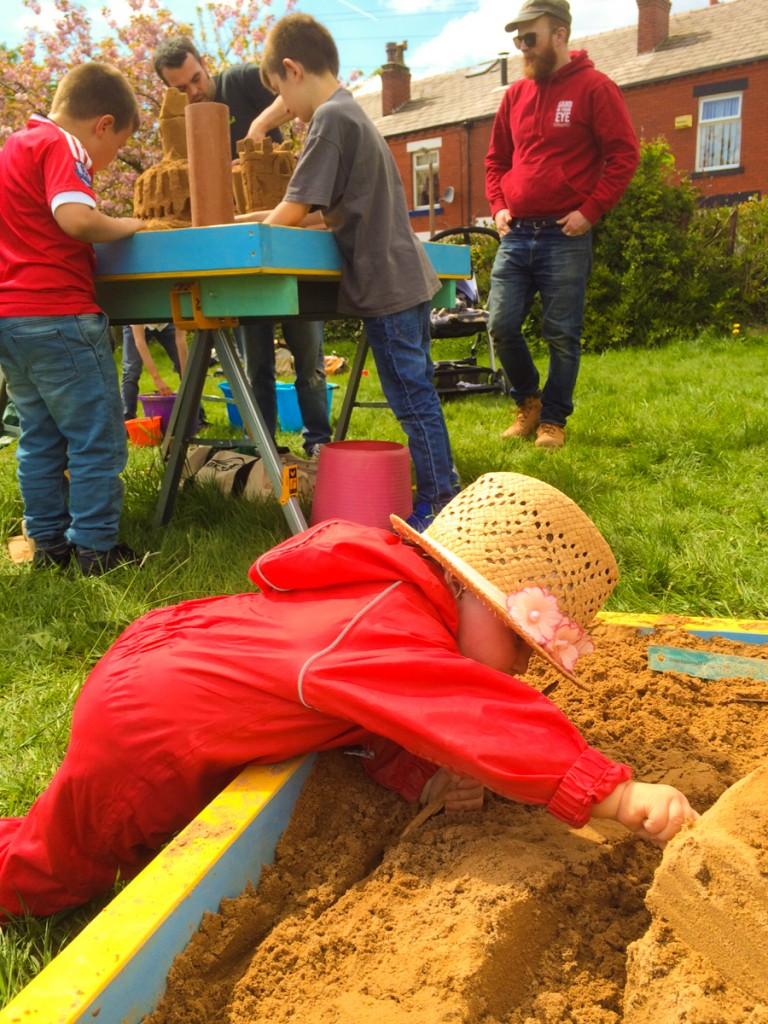 Fun in the park with a pop up sand sculpture workshop