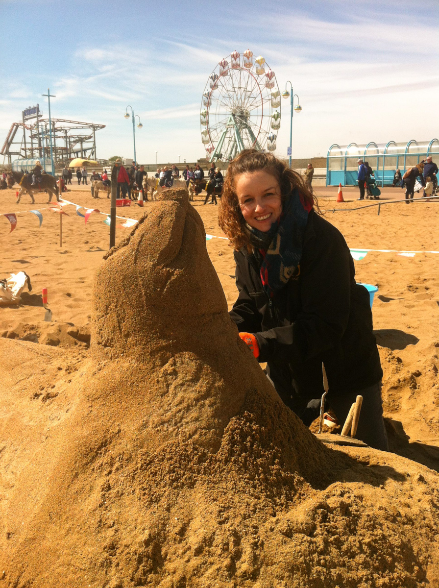 Sand sculptor Claire Jamieson, begins work on her sculpture