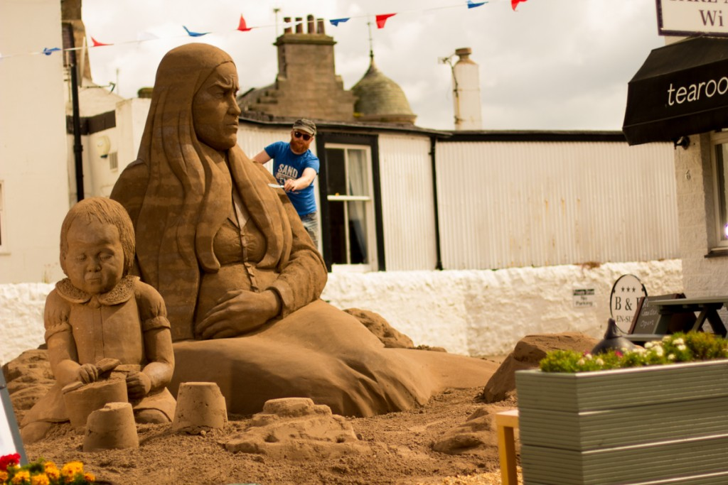 Uk sand sculptor Jamie Wardley from Sand In Your Eye