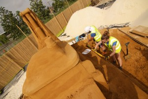 Sand sculptors, Claire Jamieson and Rodrigo begin work on the sand sculpture