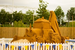 Sand In Your Eye, Professional sand sculptures