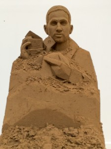 Dynamo appearing from the sand