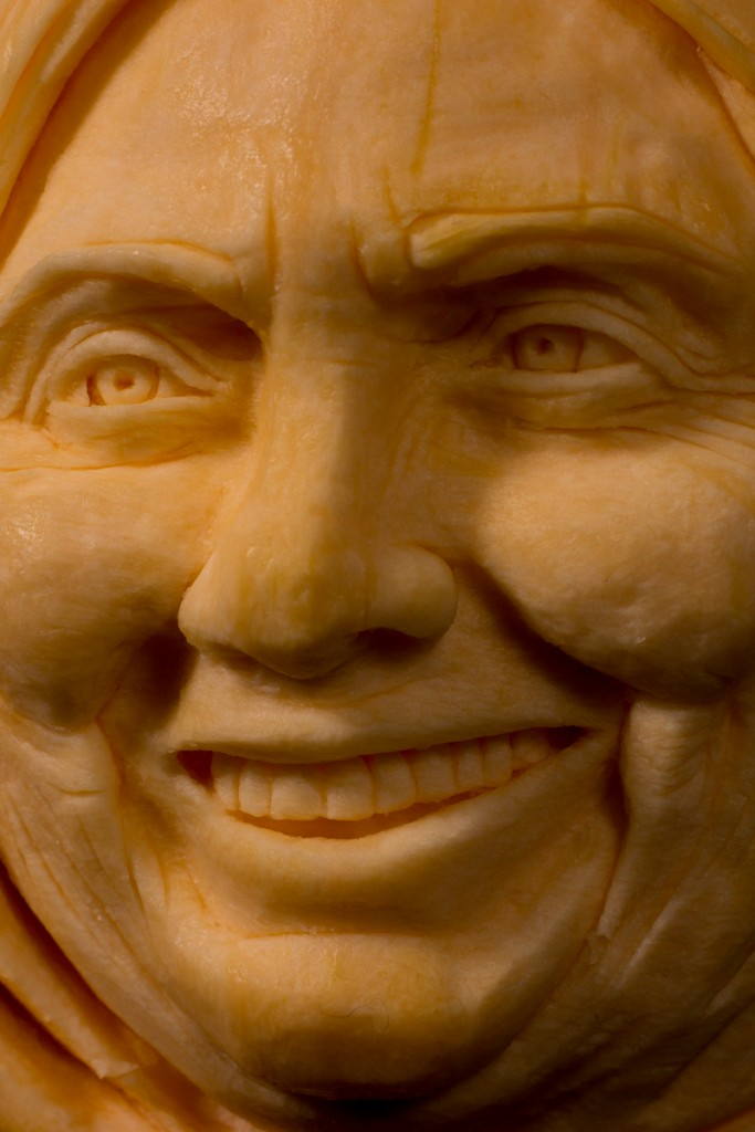 Hilary Clinton professional pumpkin carving