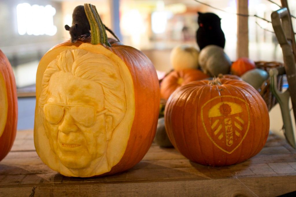 Leeds Utd football club pumpkin carving