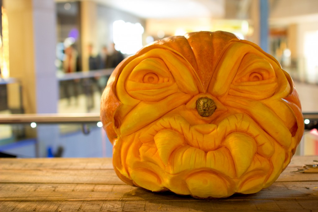 pumpkin carving monsters, Halloween event UK