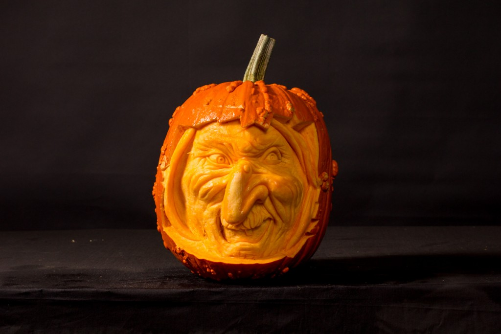 Amazing professional pumpkin carving