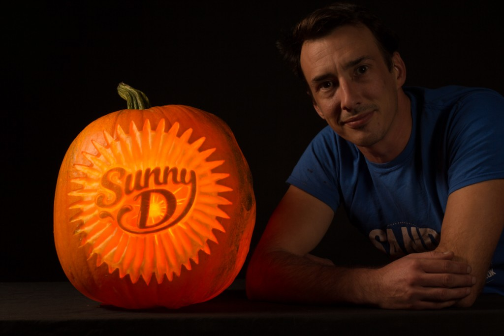 Uk pumpkin carver Tom from Sand In Your Eye
