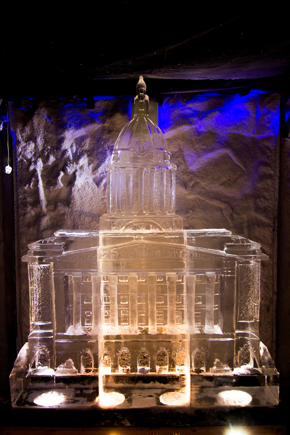 Nottingham Town Hall ice sculpture