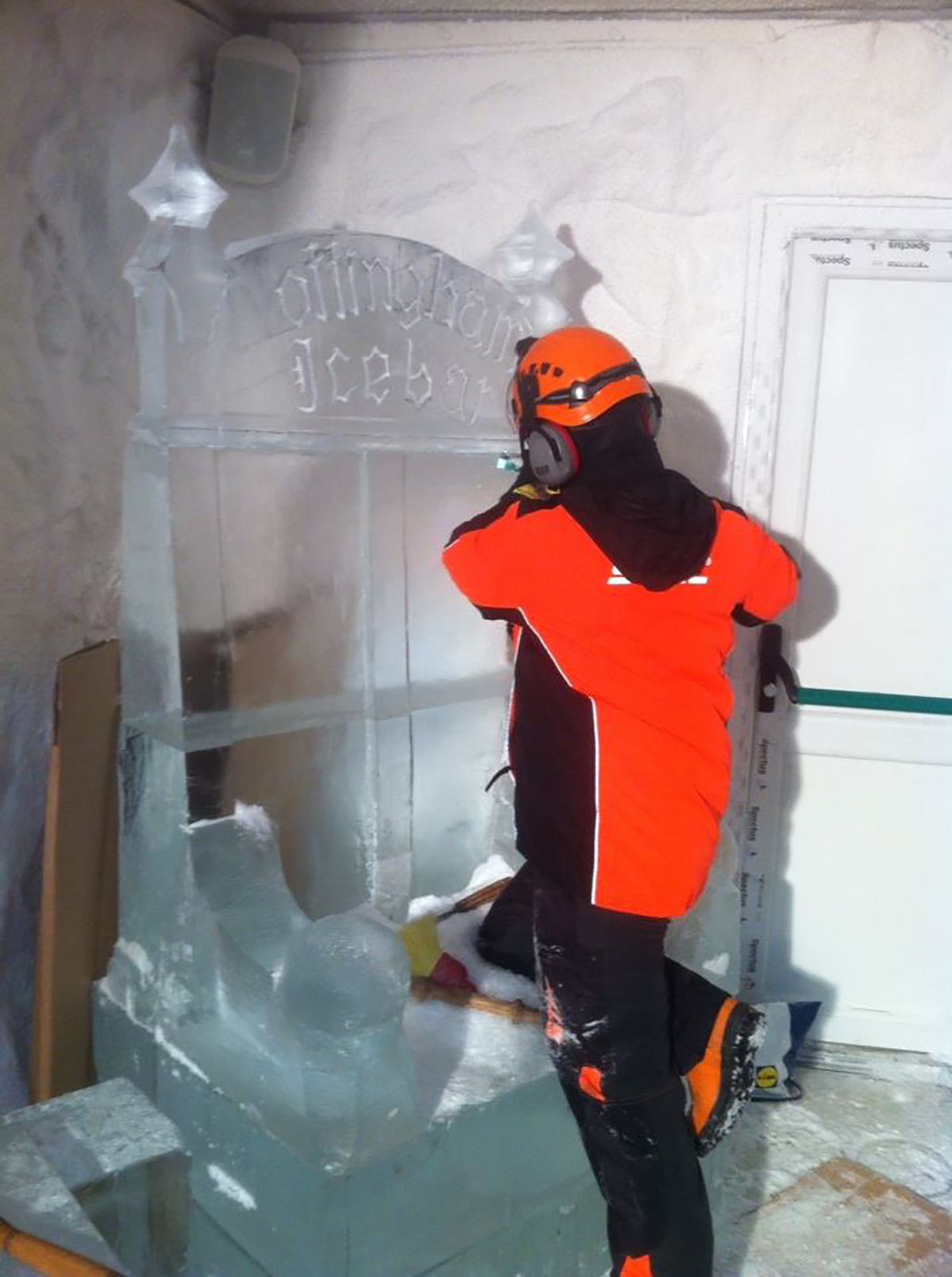 Rodrigo's ice throne in the making