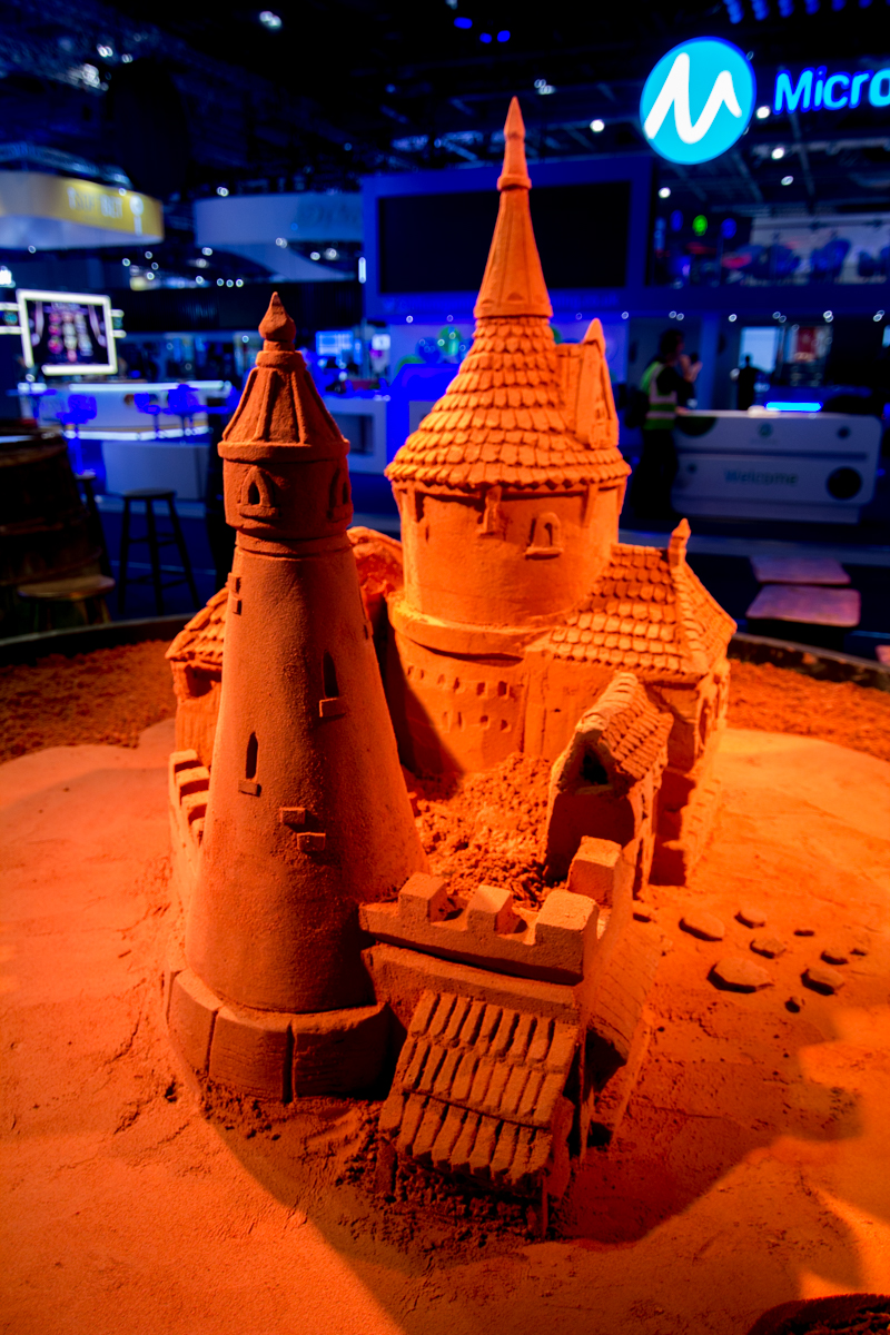 Microgaming sand sculpture