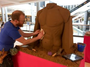 Yorkshire born sand artist jamie wardley sand in your eye shopping centre indoor events