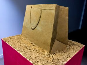 sand sculpture shopping bag hull