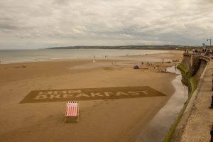 BBC_Breakfast_sand_art_sand_drawing_filey