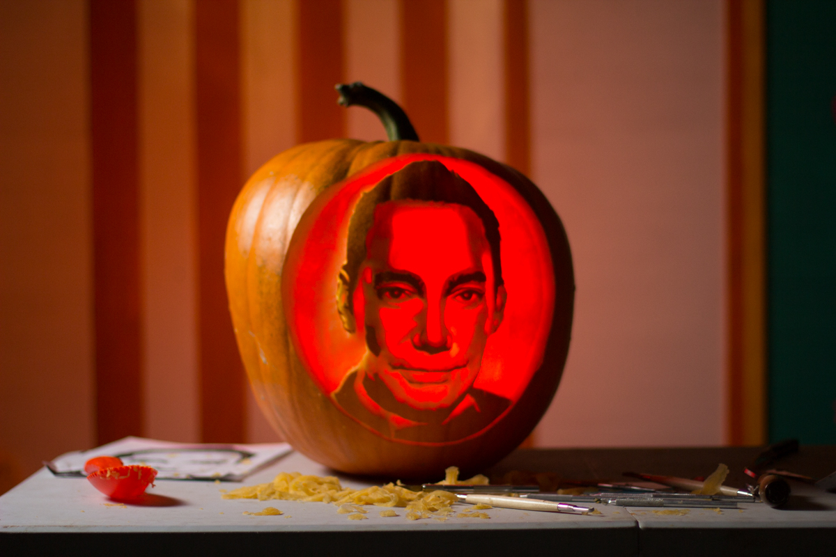 Craig_revel_Horwood_pumpkin_carving