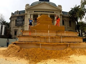 blocking out sand sculpture claire jamieson chile south America