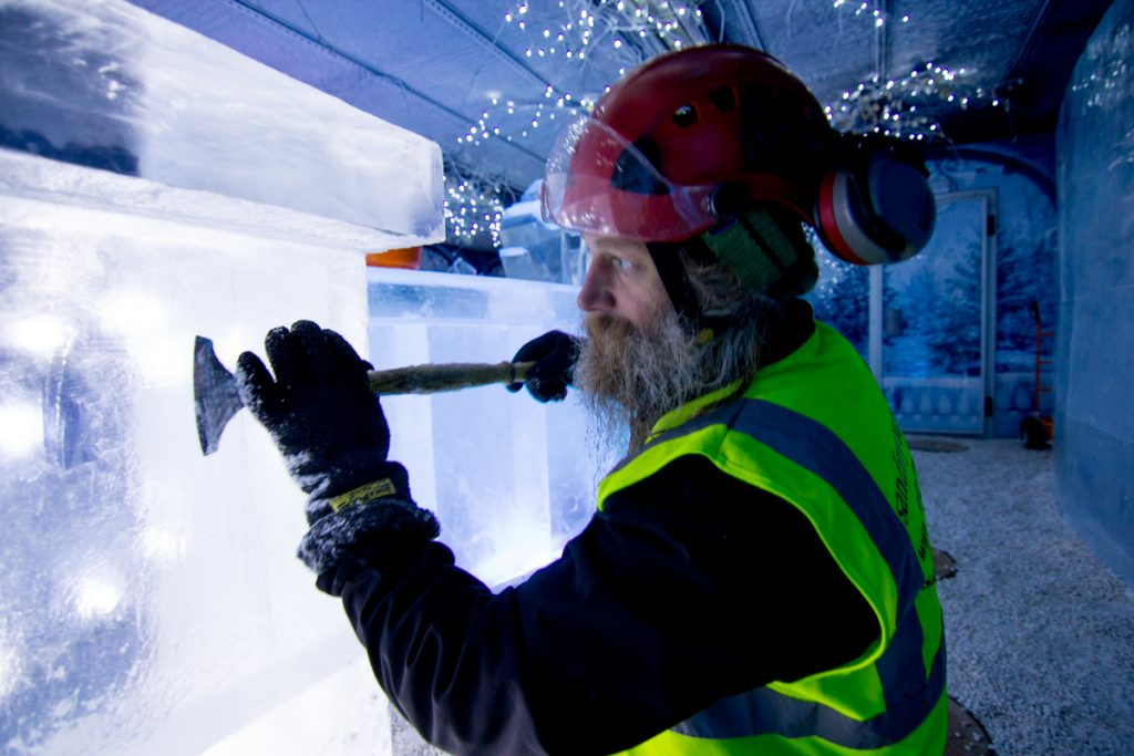 build ice bar sculpture festival events