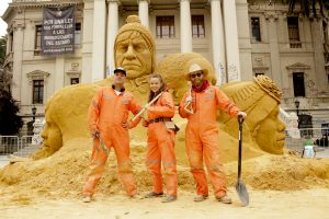 claire_jamieson_jamie_wardley_finished_sand_sculpture_chile_santiago