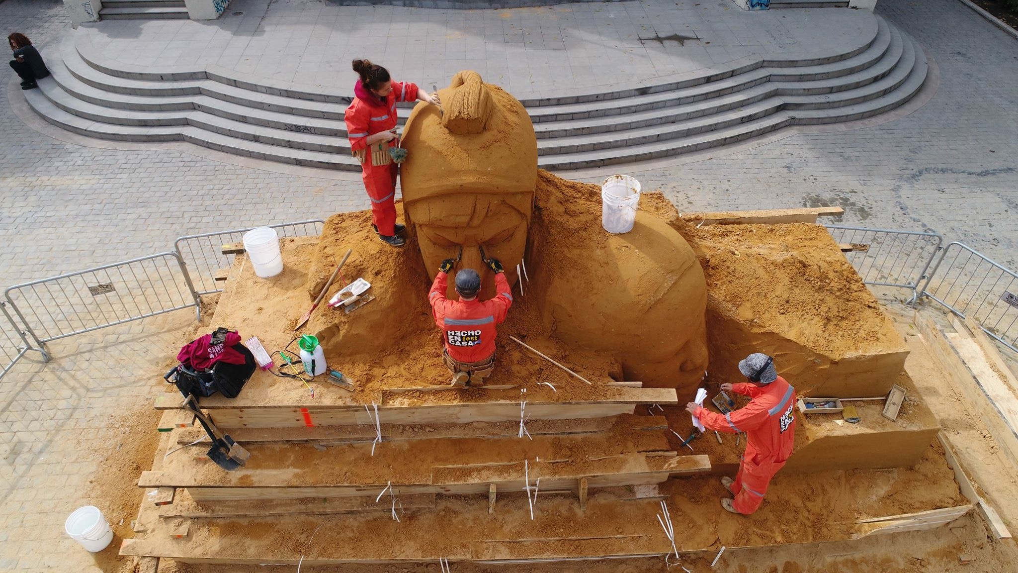claire_jamieson_yorkshire_based_jamie_wardley_sand_sculpture_sand_in_your_eye