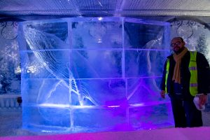 ice_sculptor_uk_events_christmas_corporate_weddings