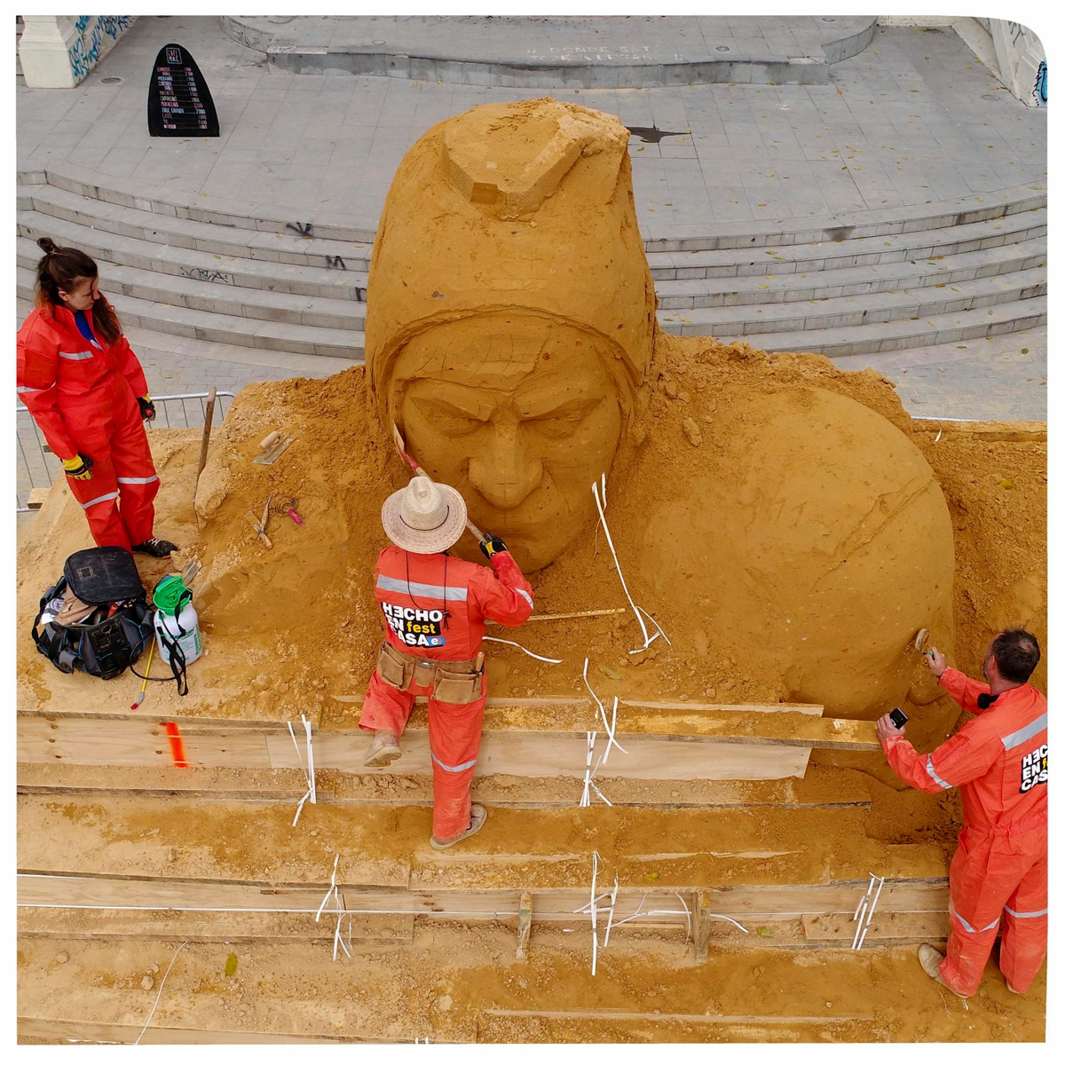 sand_in_your_eye_sand_sculpture