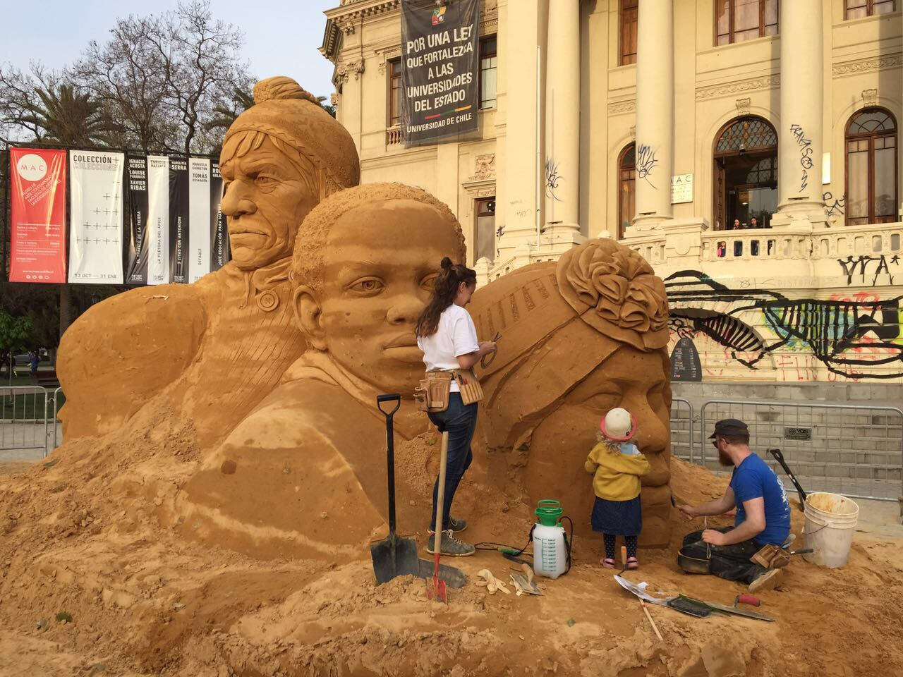 sand_sculpture_family_claire_jamieson_jamie_wardley_florence_wardley