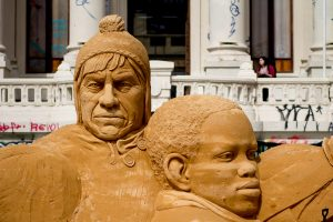 sand_sculpture_huge_street_art_santiago_chile
