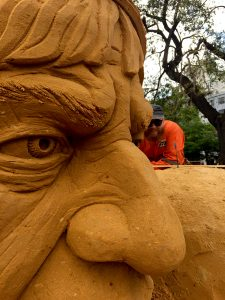 uk_sand_sculptor_jamie_wardley_sculpture_chile