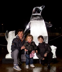 christmas_festivals_markets_ice_Sculpture