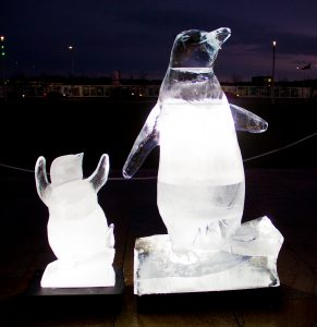 christmas_ice_Sculptures_live_ice_Sculpting_scotland