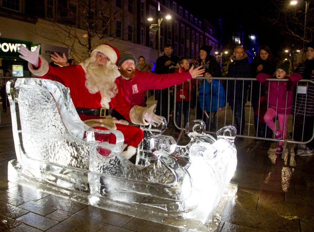 christmas_public_events_entertainment_german_markets_ice_Sculpture