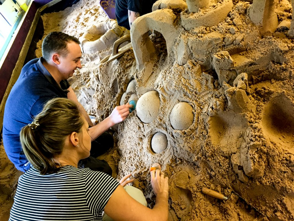 couples_experience_days_sand_Sculpture_workshops