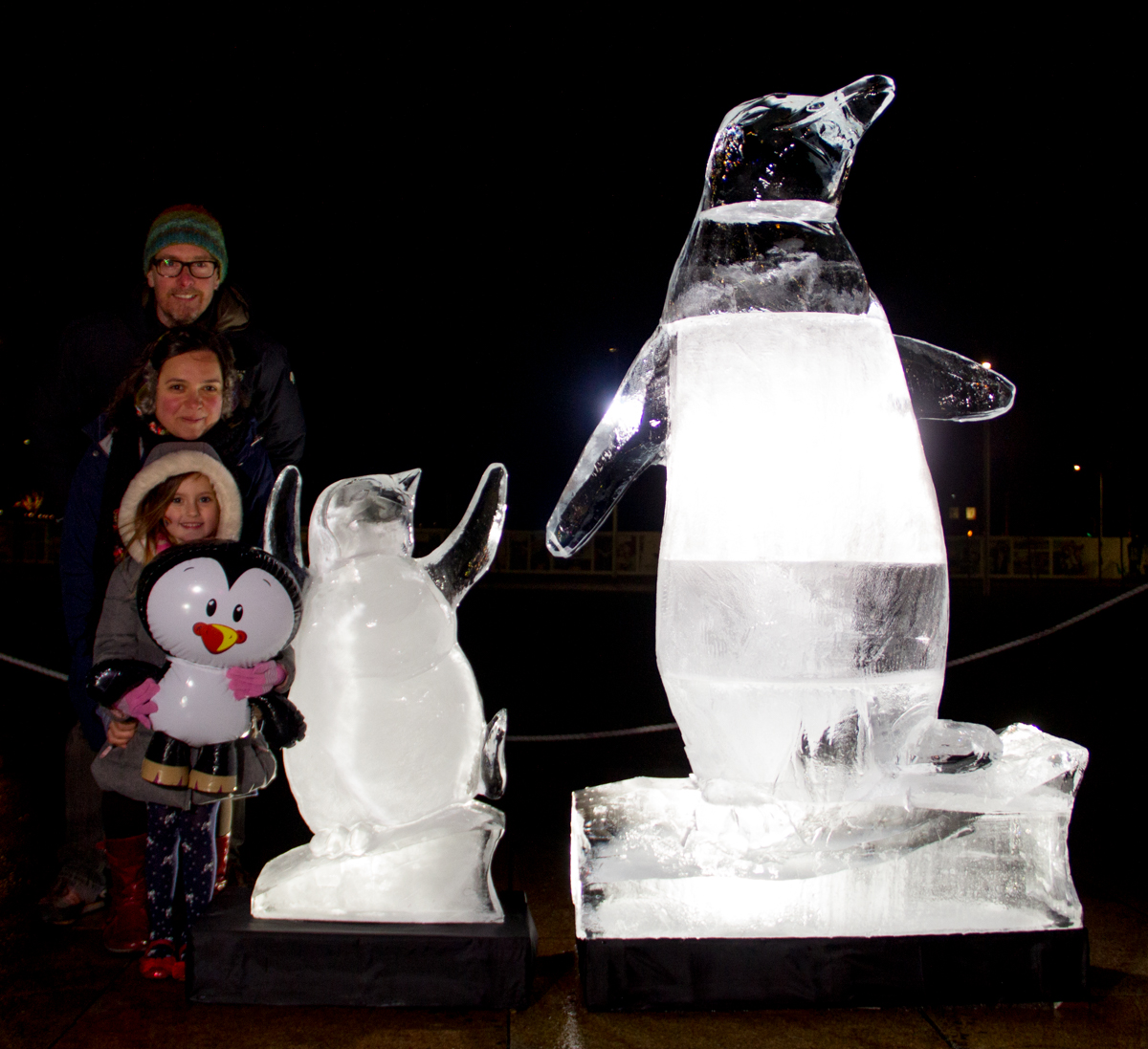 ice_Sculpture_penguins_sand_in_your_eye