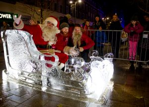 ice_sculptors_santa_hull_sand_in_your_eye