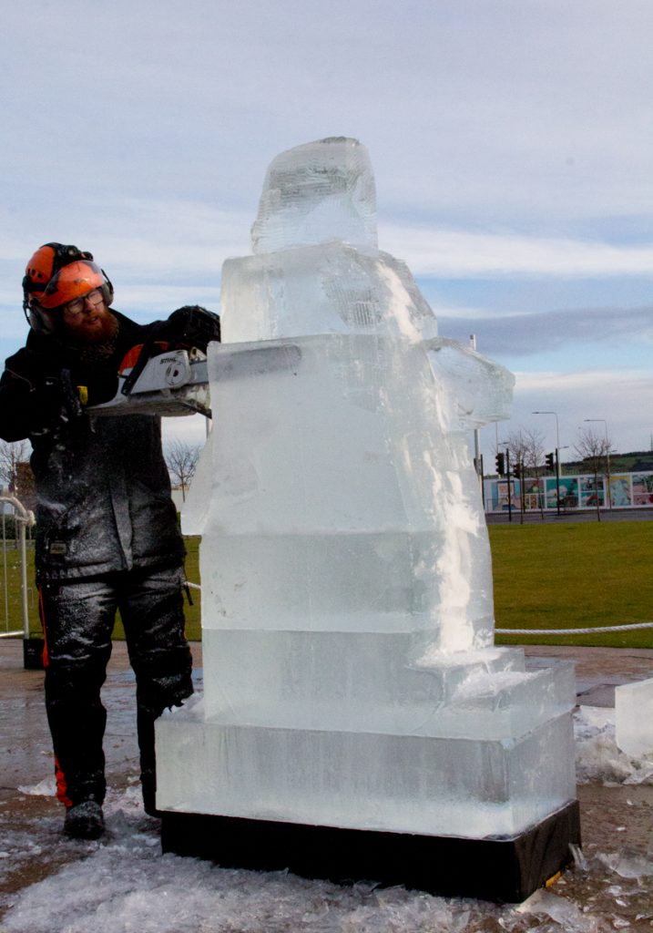 live_ice_Sculpture_scotland_dundee