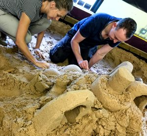 unusual_valentines_gift_creative_workshops_sand_sculpture