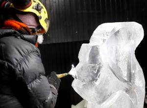 female ice carver claire jamieson