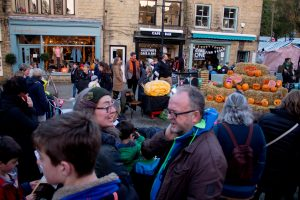pumpkin carving competition family fun uk