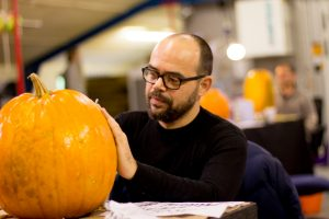 team professional pumpkin artists halloween live carve events